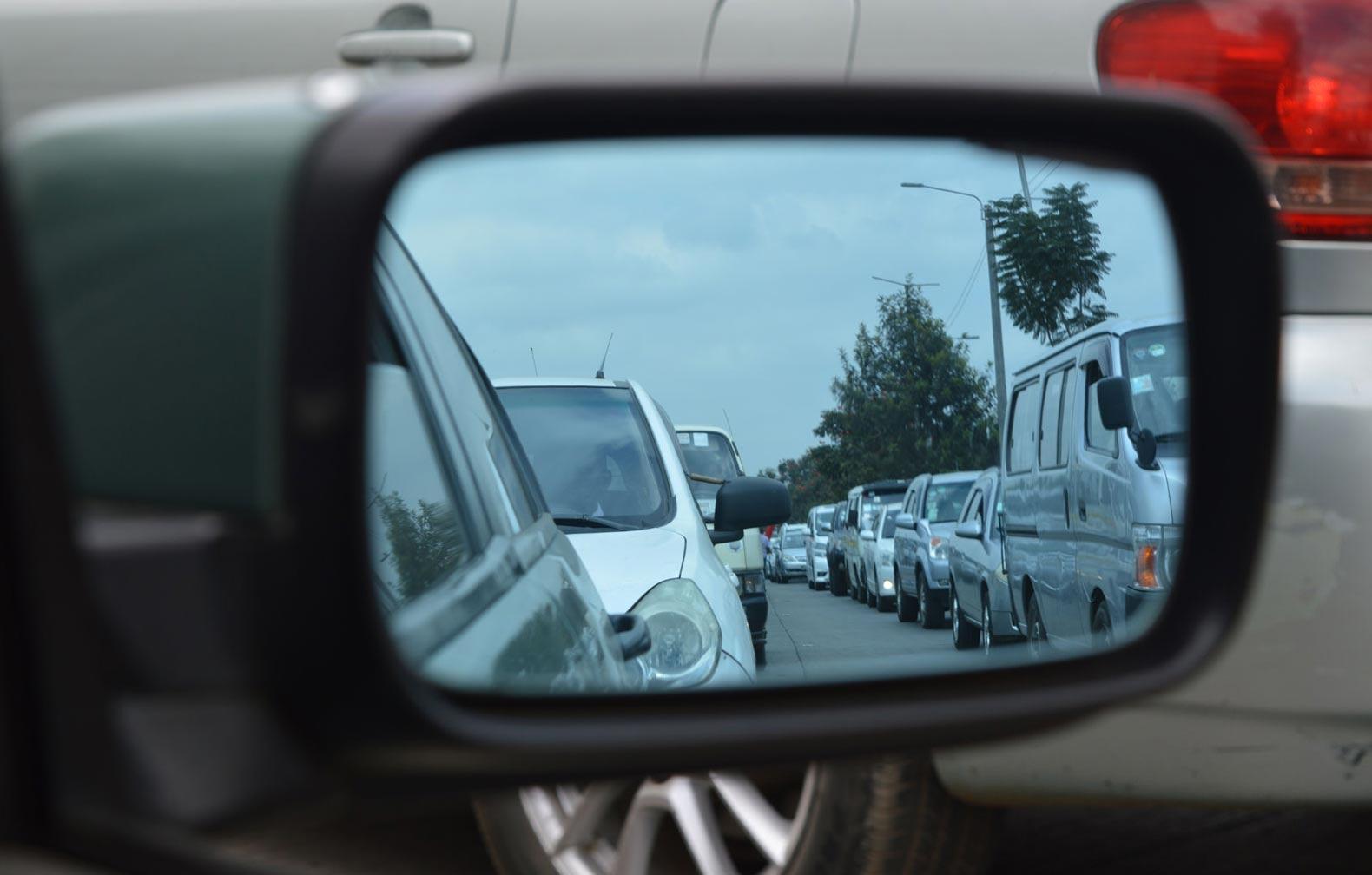 modere a velocidade - trânsito